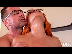 Nerdy Glasses Make Rose Valerie Look Dirty Duri...