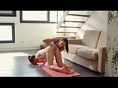 Yoga Girlfriends - Carolina Abril, Penelope Cum