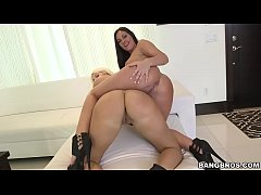 DOUBLE BIG WHITE BOOTY OVERDOSE (pwg13836)