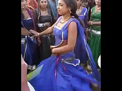 pelu dance by beautyful women