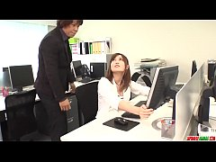 Yumi Maeda fucked at work by the new boss in bo...