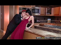 Brazzers - Mommy Got Boobs - Being Elite and Ea...