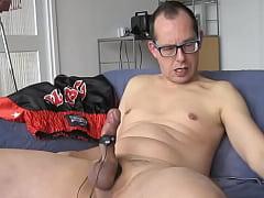 Masturbating cock-pleasure; 9volt, 16&17mm and ...