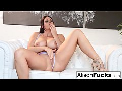 Amazing Alison Tyler rubs herself to a sexy con...