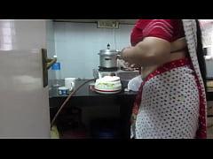 \u25b6 Leena Bhabhi Hot Navel Housewife 1