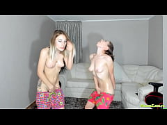 Masturbating Oiled Camgirl Sisters