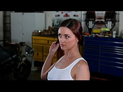 FantasyHD Car Mechanic Bangs Customer