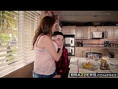 pornhdmilfs.com Mommy Got Boobs - Homemade Amer...