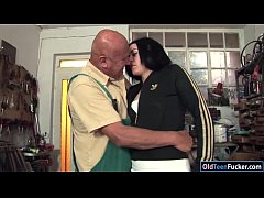 Romanian Marsha Cortez sucks and fucking old bi...