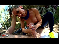 Hot spanish MILF Betty FOXXX working out in tig...