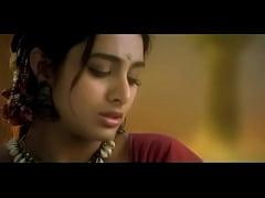 thumb tabu makingout  scene with sanjay kapoor ay ka ay kapoor ay kapoor