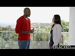 BLACKED Hot Babe Roxy Raye Gets Her Butt Stretc...