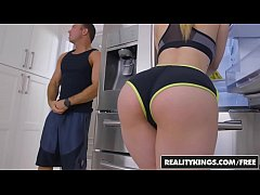 RealityKings - Big Naturals - Chad White Stella Cox - On The Run