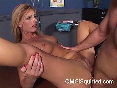 Darryl Hanah squirts
