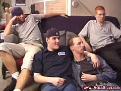 Skater foursome sucking each others cock
