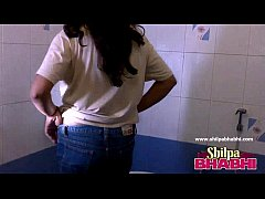 Gorgeous Indian Wife Shilpa Bhabhi Hot Shower - ShilpaBhabhi.com