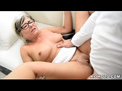 Mom enjoys getting fucked by big dick