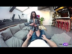 Tmw VR net - Lita Phoenix - CUTIE DISTRACTS GUY...