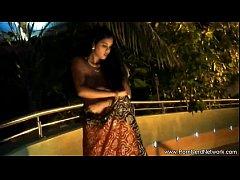 Bollywood Dreamer Dancer Babe