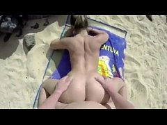 BLOWING DICK ON THE BEACH