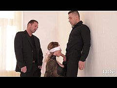 Submissive Victoria Summers Blindfolded & Fucke...