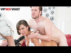 EXPOSED CASTING - Anabelle - Busty Girl Has A G...