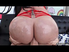 Italian-Jamaican Raven Bay Loves a dick in her ...