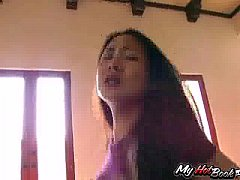 Nyomi Zen is a lovely 18 year old Asian who has a
