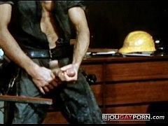 Roger Fucks Jack Wrangler in Vintage Gay Porn S...