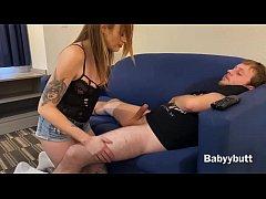 Babyybutt tricks her step bro into facial.