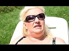 Hot blonde BBW sits on his face and makes him l...