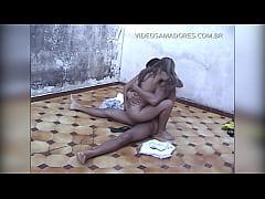 Garoto vê a irmã fazendo sexo com o vizinho no ...