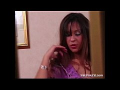 Amateur Babe Candy Lee Doesn't Blush For the Ca...