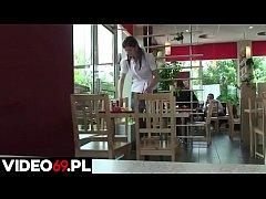 Polskie porno - Ma\u0142olata wyrywana w fast foodzie