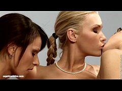 Tantalizing Trio sensual lesbian scene by SapphiX