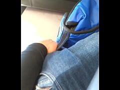 chaval con verga parada en bus guatemala