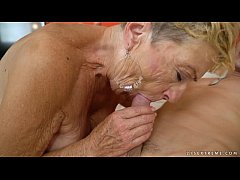 Old granny fucks the young mechanic - Lusty Gra...