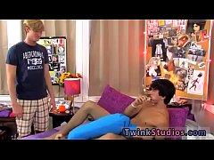 Blue boy gay sex movie xxx Japlaymate's son is gargling a manmeat