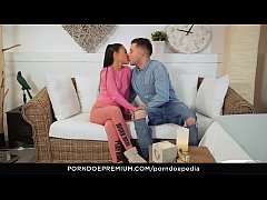 VIP SEX VAULT - First time sex tutorial with ho...