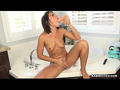 Solo babe, Adriana Chechik went wild on sex toy...
