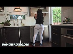BANGBROS - My Dirty Maid Got a Big ol' Ass! (md...