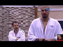 Douglas toma Banho Pelado - BBB15