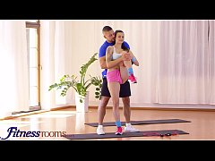 Fitness Rooms Big tits brunette Euro babe Billi...