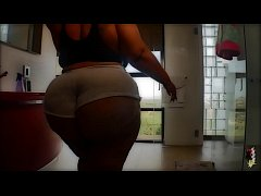 Thick Puertorican Queen Gets Worked Out After H...