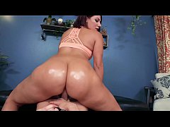 HUGE ASS 19 YEAR OLD: VALENTINA JEWELS IN BIG B...