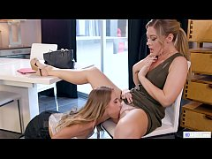 Hot Real Estate Agent Have Lesbian Sex - Cadenc...