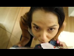Asian Sex Diary - Sexy young Asian babe takes w...