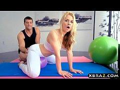 Sexy blonde MILF Sarah Vandella anal sex in yog...