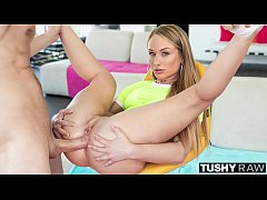 TUSHYRAW She wants to get all her holes stuffed...