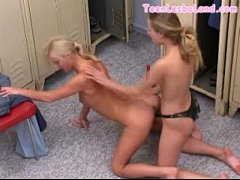 Lesbo Doggystyle Strapon Sex